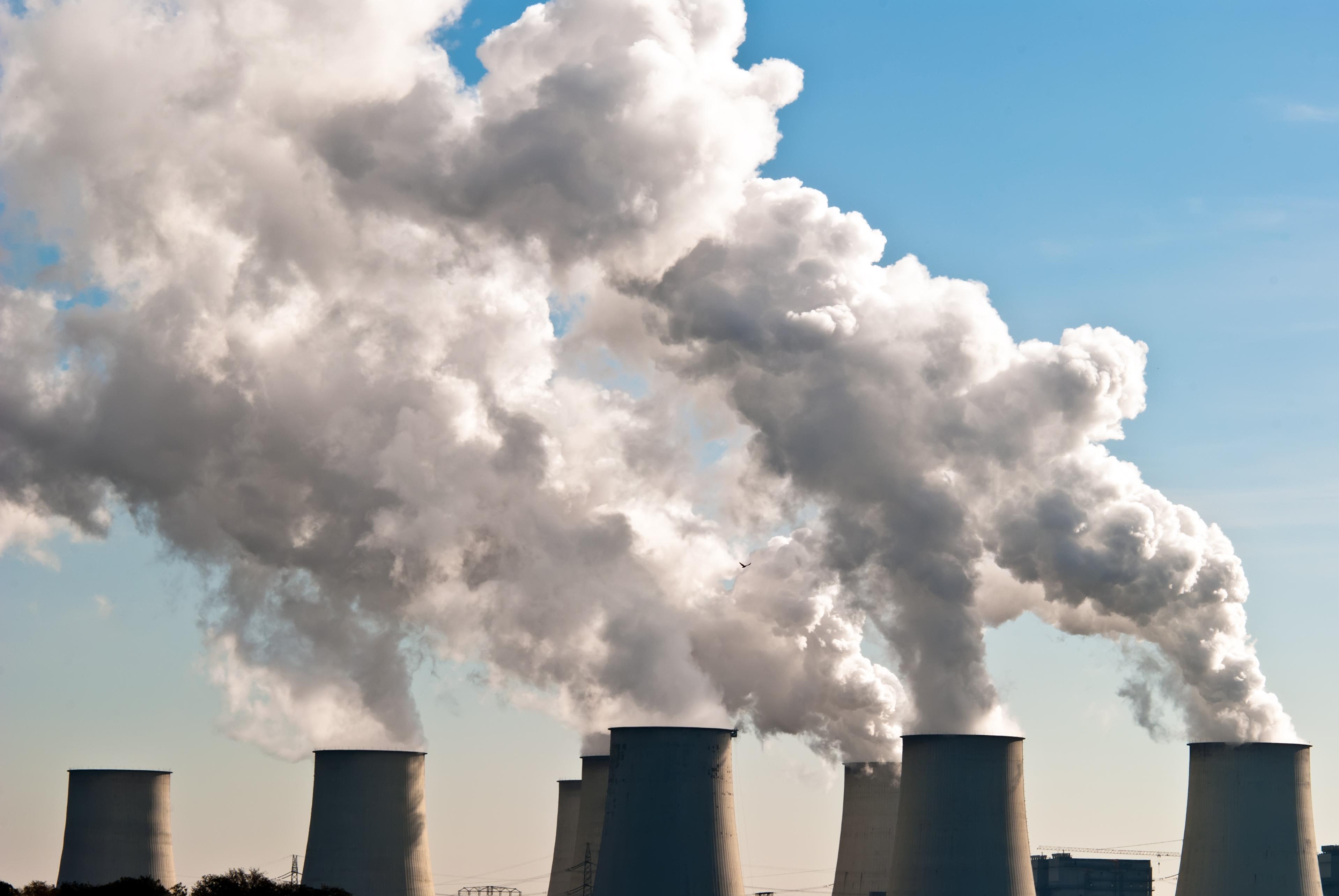 Coal power plant (c) Shutterstock